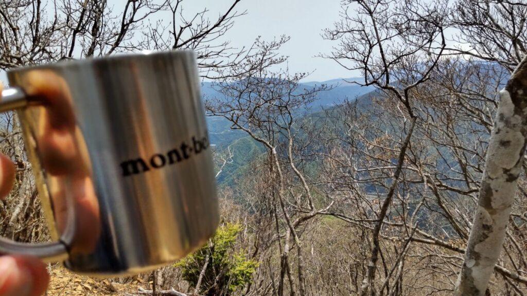 滝子山山頂でコーヒータイム