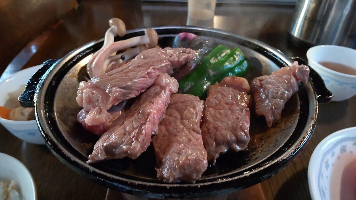 やわらかくておいしい赤岳鉱泉のステーキ