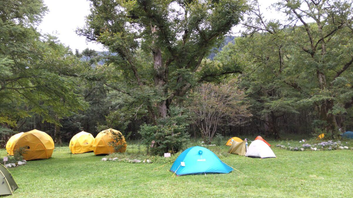 徳澤キャンプ場に幕営
