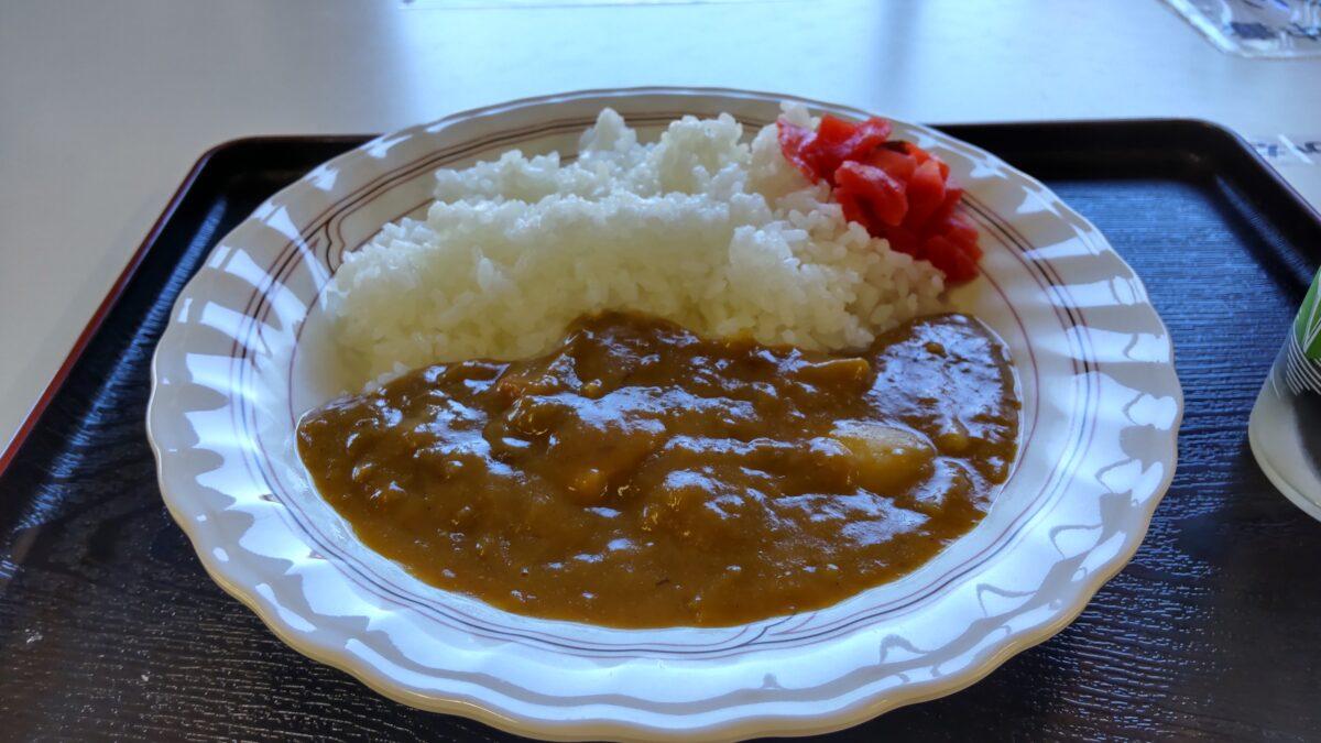鳩待峠の食堂のカレーライス