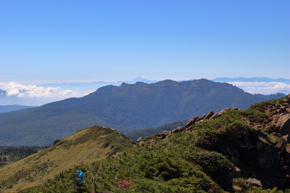 至仏山山頂からは富士山も見えました!