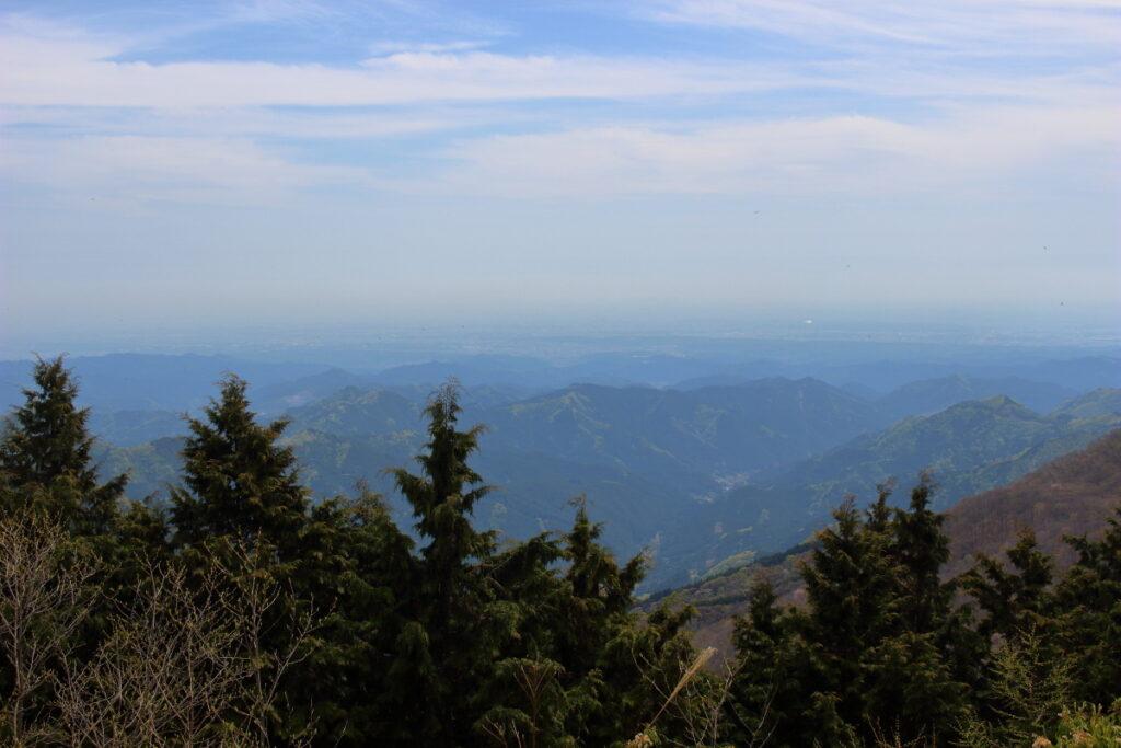 大持山の肩からの眺望