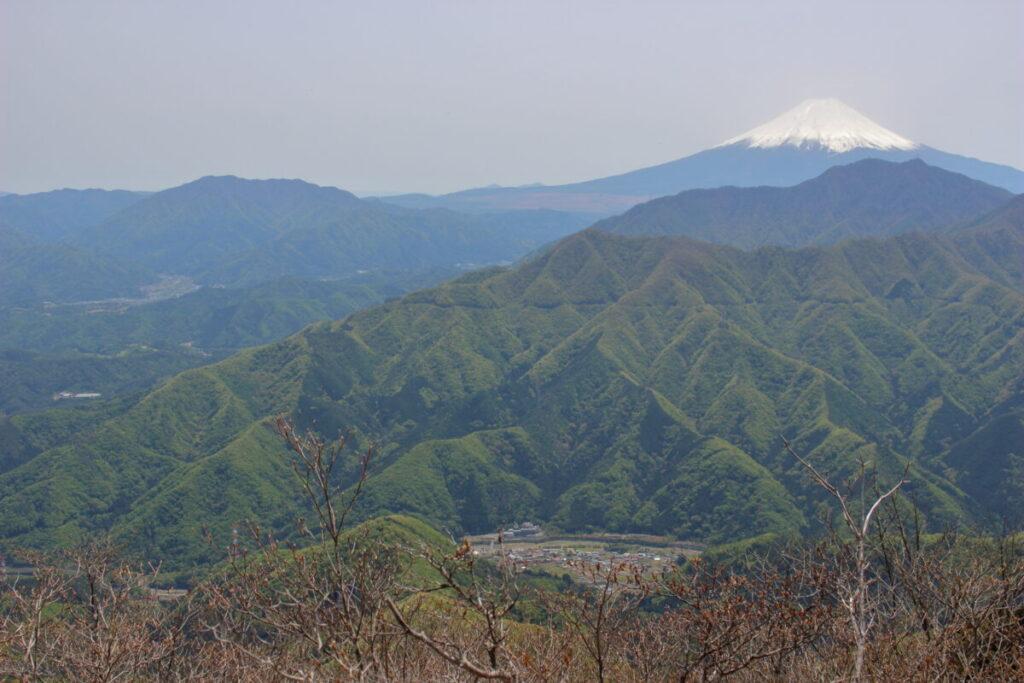 滝子山山頂から南側の眺望