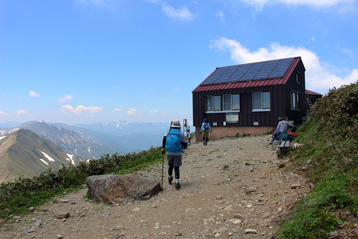 谷川岳山頂下にある「肩ノ小屋」