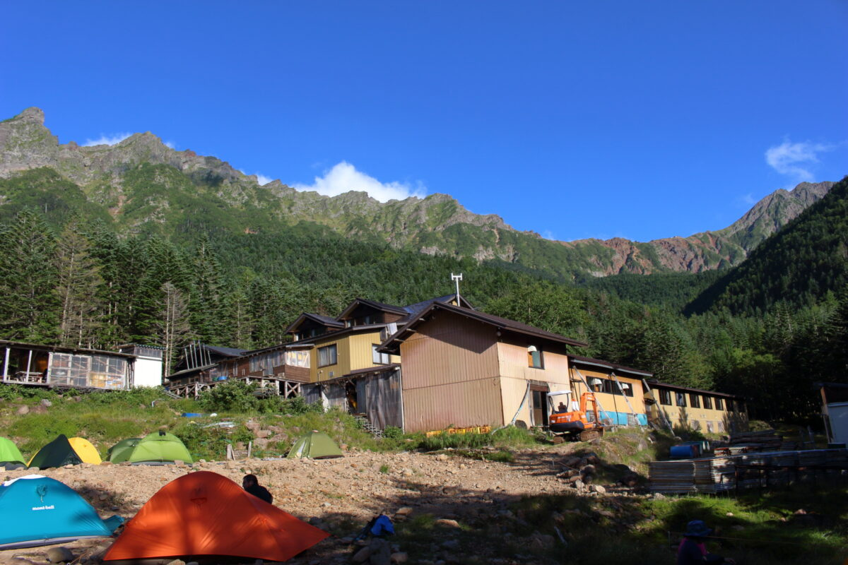 赤岳鉱泉から眺める八ヶ岳の稜線