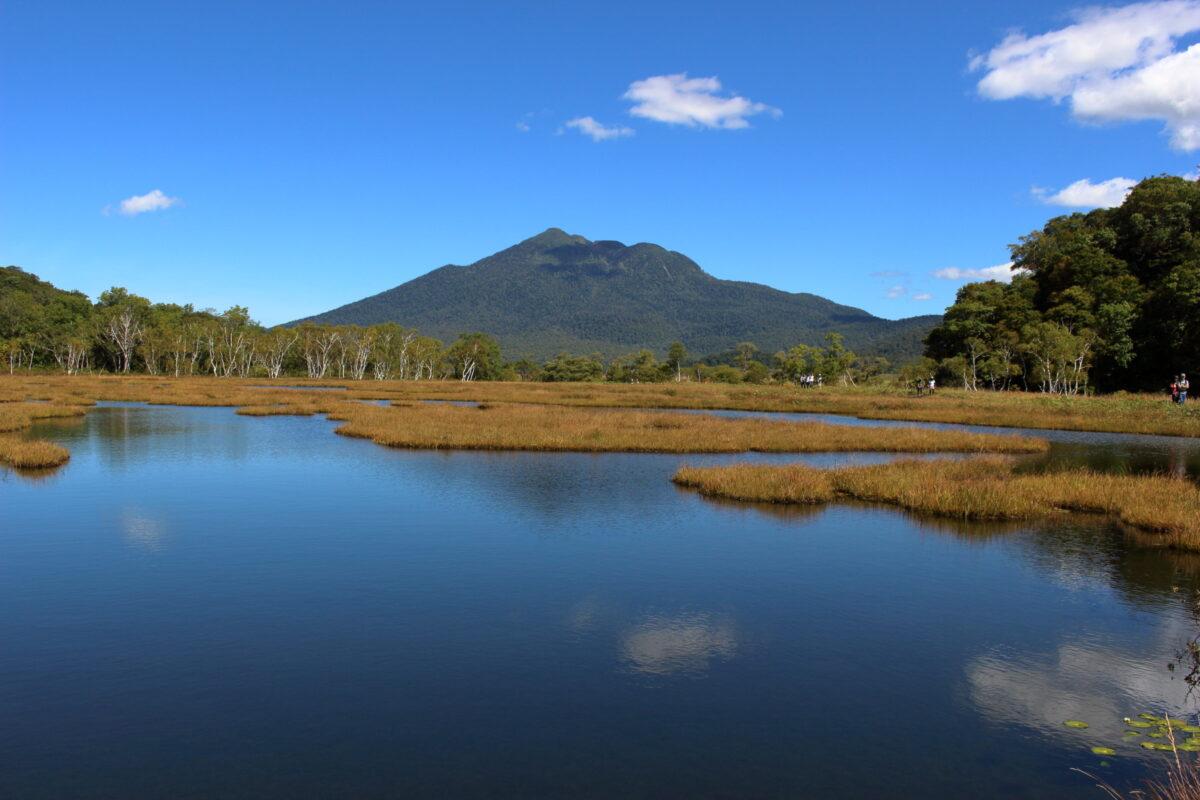 池塘に写る燧ヶ岳「逆さ燧」